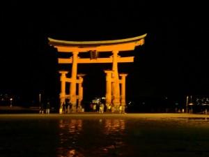夜の厳島神社2